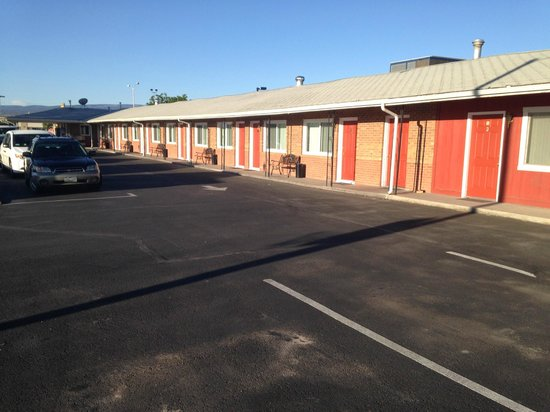 Grand Junction Palomino Inn: The south side rooms