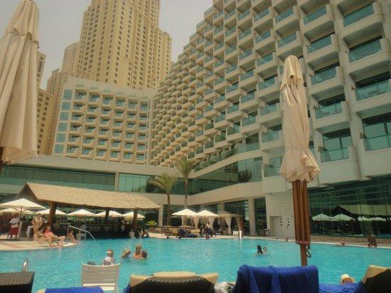 Hilton Dubai Jumeirah Beach: Pool
