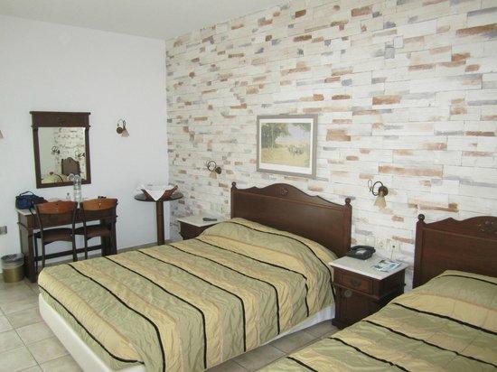 Plaza Beach Hotel: chambre
