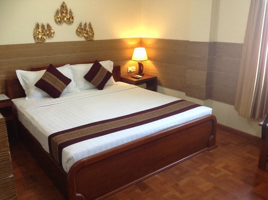 Hotel Yadanarbon : The comfy bed