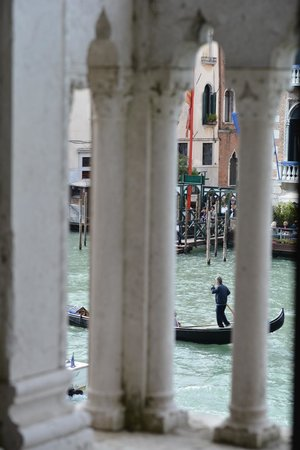 SINA Centurion Palace: View from Sofa in Junior Suite through balcony onto Grand Canal