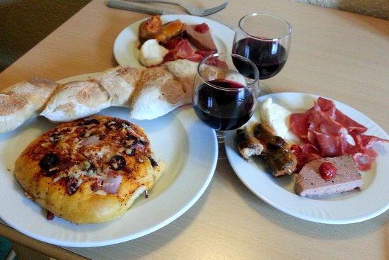 Baguettes savoury fougasse ibericoham sardines wine - La cuisine cooking classes ...