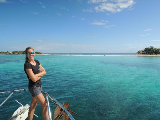Ruthless Roatan Charters: Beautiful Cayos Cochinos and Captain Michelle