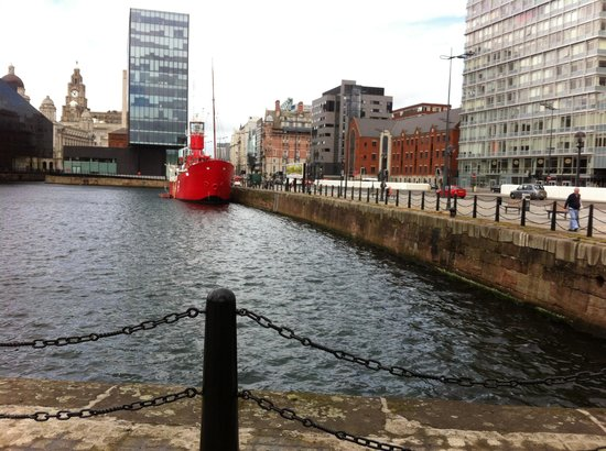 Albert Dock : Dock 2