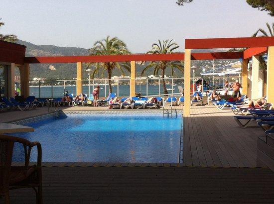 Hotel Seramar Comodoro Playa: The pool