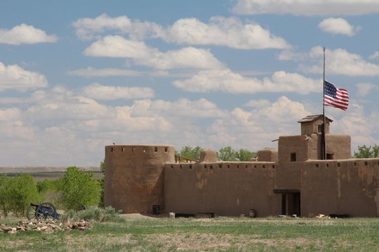 Bent's Old Fort National Historic Site : Front