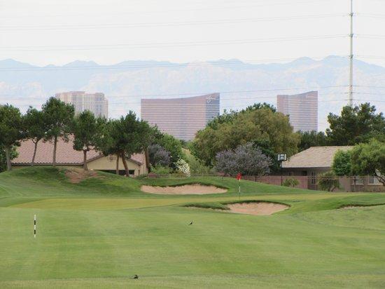 Las vegas golf on the strip
