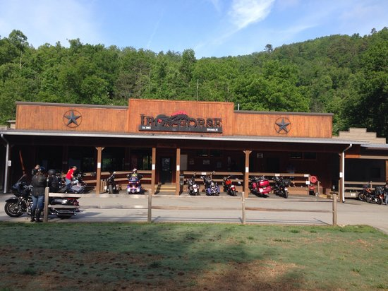 Iron Horse Motorcycle Lodge : Front of Lodge