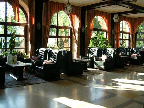 Danubius Grand Hotel Margitsziget: Холл отеля
