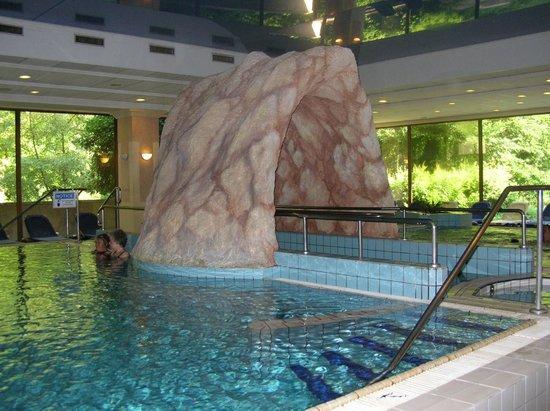 Danubius Grand Hotel Margitsziget: Бассейн с лечебной водой