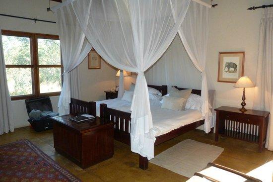 Sabi Sabi Selati Camp: Bedroom.
