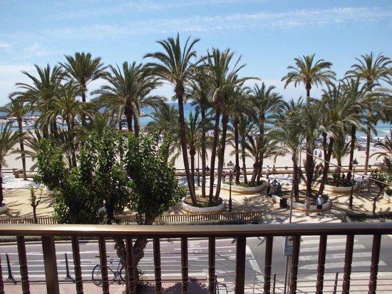 Esmeralda Beach Hotel: fantastic view worth paying the extra.