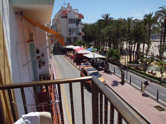 Esmeralda Beach Hotel: refuel bar. great food.great staff.
