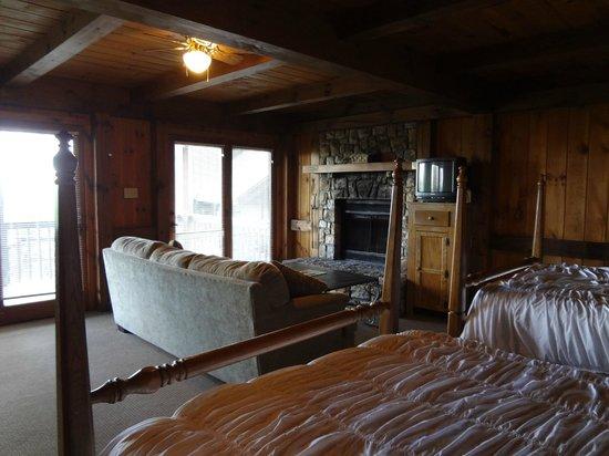 Archer's Mountain Inn: The room
