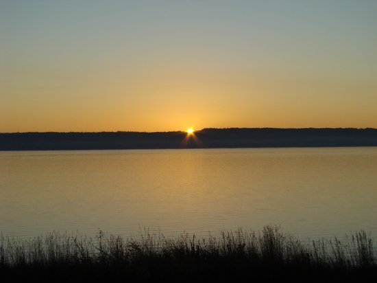 Fort Flagler State Park: sunrise from the backporch
