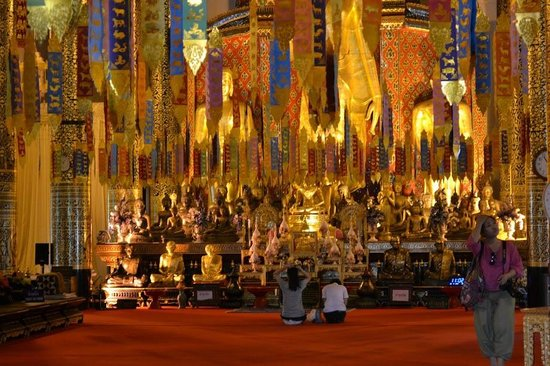 Lanna Kingdom Tours: Inside one of the temples in Chiang Mai