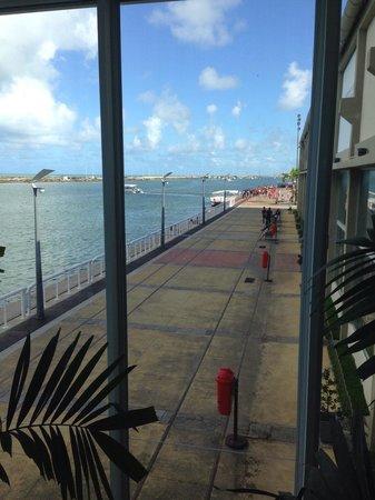 Praça do Marco Zero: Vista do píer do Marco Zero em Recife