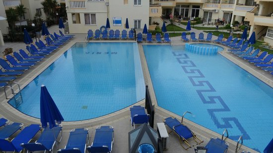 Menia Beach Hotel: view Pools