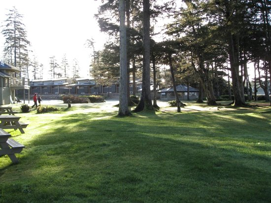 Pacific Sands Beach Resort : Grounds