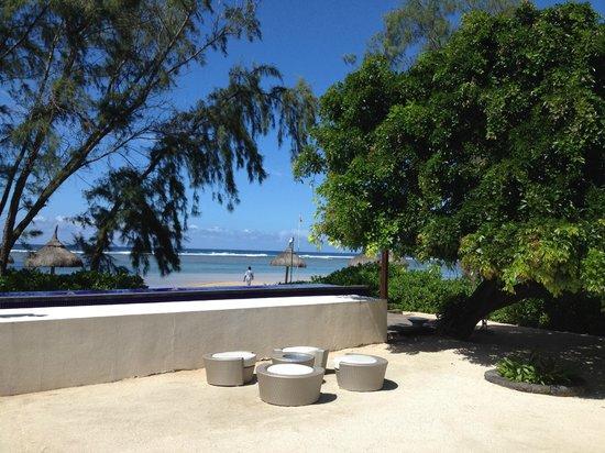 Sofitel So Mauritius: Piscine et plage