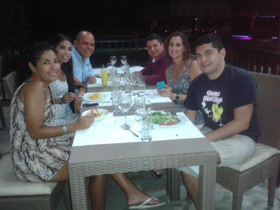 Hotel Riu Lupita : cena en el bufete