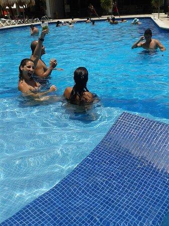 Hotel Riu Lupita : piscina