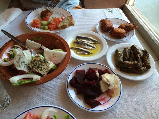 Meze Meze Mezedopoleio: Yum!