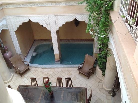 Riad Lorsya: Pool