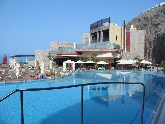 Gloria Palace Royal Hotel & Spa : Mirador pool and bar