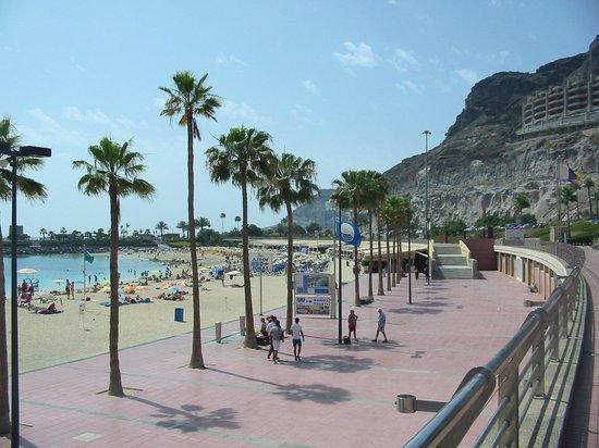 Gloria Palace Royal Hotel & Spa : Beach entrance