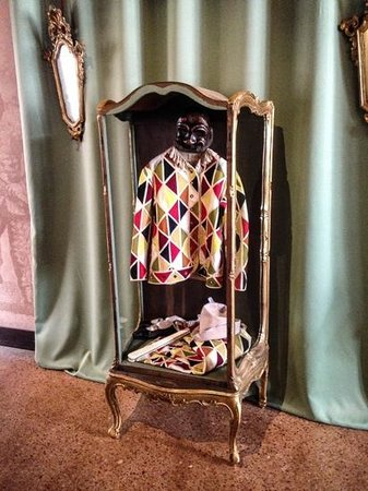 Casa di Carlo Goldoni : Colourful Harlequin Costume