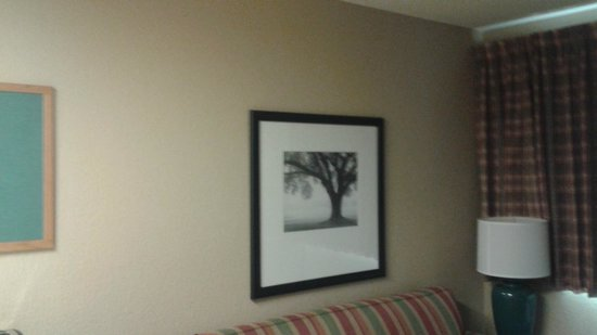 Extended Stay America - Providence - Airport: Decent art worth pondering over in your spare time.