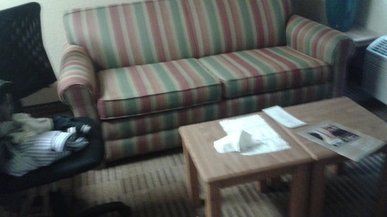 Extended Stay America - Providence - Airport : A rather comfy couch.