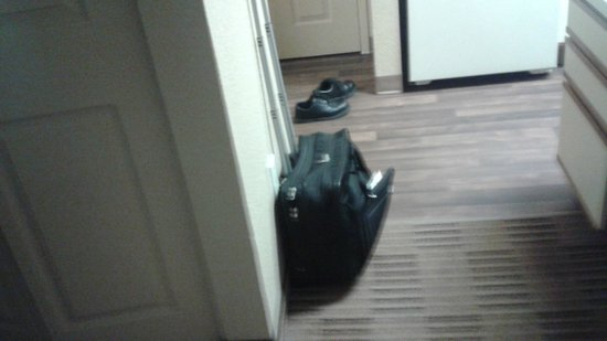 Extended Stay America - Providence - Airport : Wooden floor