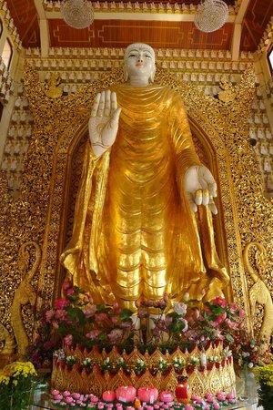 Dharmikarama Burmese Temple: Burmese Temple