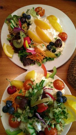 The Smiddy Bistro: Smiddy Salads Simply Sumptuous!