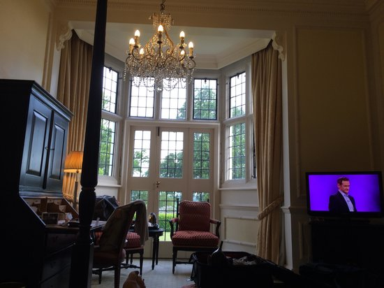 Danesfield House Hotel And Spa: Suite 101. Not really a suite!