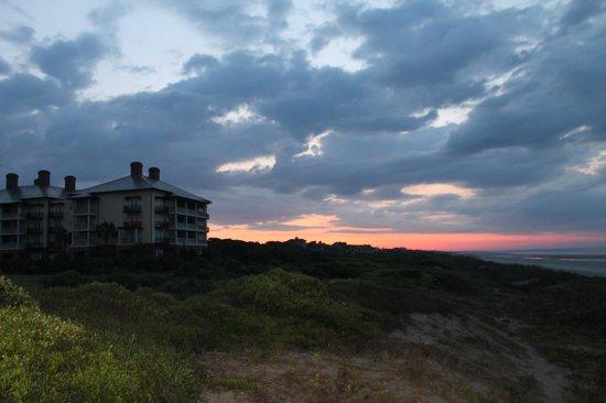 The Sanctuary Hotel at Kiawah Island Golf Resort : Sanctuary just before sunrise