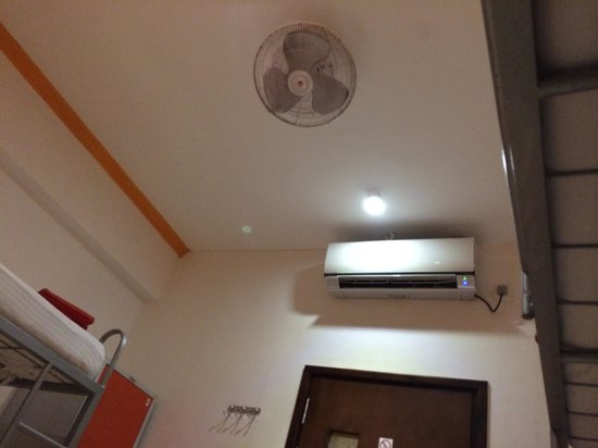 CityRest Fort: Aircon and fan
