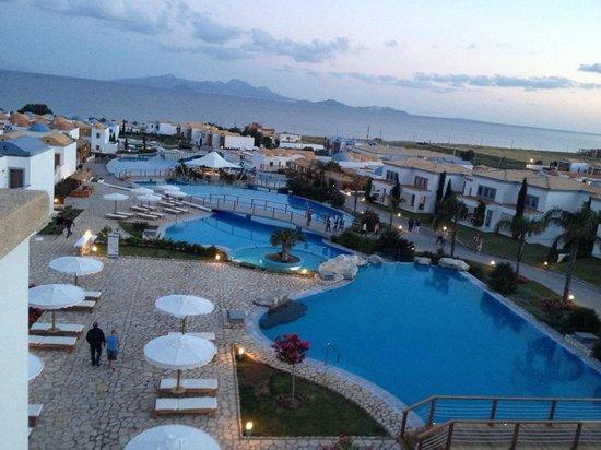 Mitsis Summer Palace Beach Hotel: vue sur les piscines
