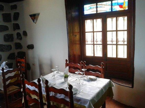 Restaurante La Escuela: Interior, muy autentico y muy cuidado