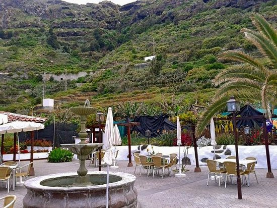 Restaurante La Escuela: Acantilado