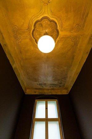Linnen: Bathroom ceiling