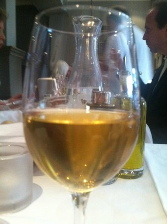 hos Thea: A small wine list; but, lots of quality and good value