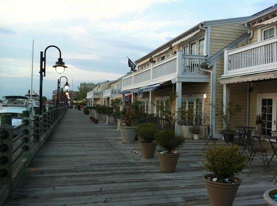 The Wilmingtonian: am River Walk von Wilmington