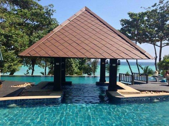 Holiday Inn Resort Phi Phi Island: Coral wing pool