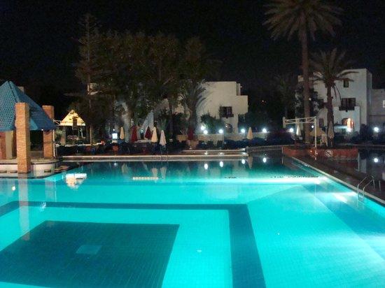 Agador Tamlelt : La grande piscine de nuit