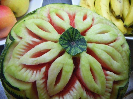 DIT Majestic Beach Resort : carved watermelon