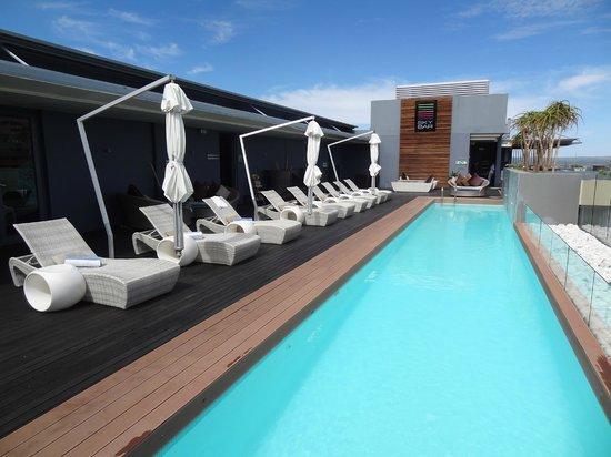 Hilton Windhoek: Rooftop Pool & Bar