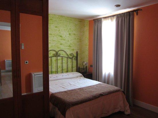Aparthotel Capitolina: Dormitorio